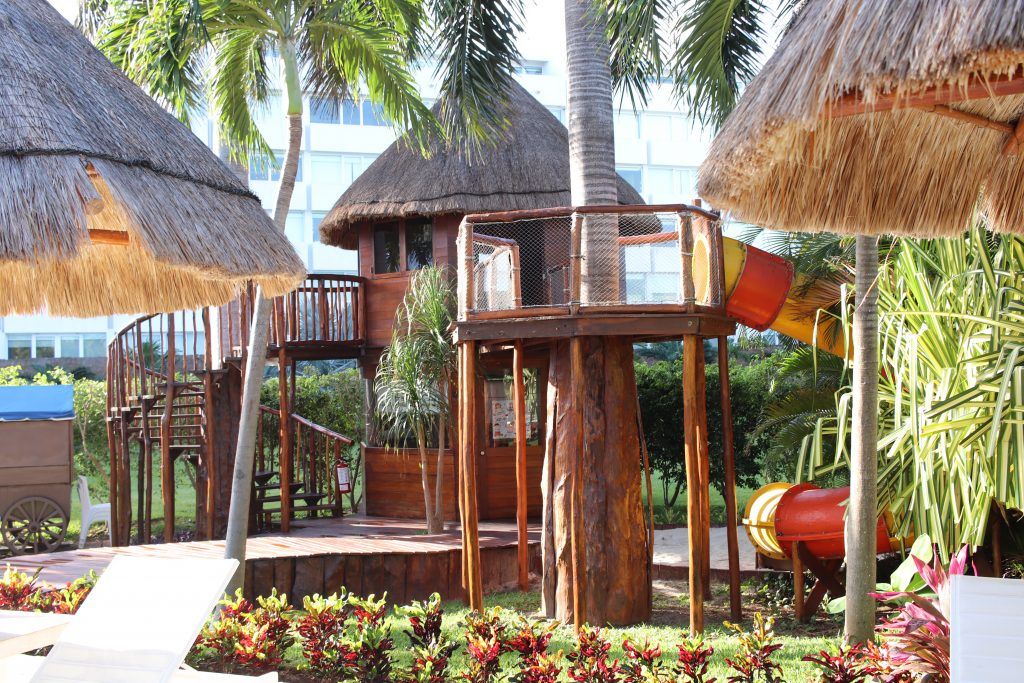 Cancun El Presidente Hotel Review | IHG El Presidente Cancun Review | Cancun Guide | Best Beach on Cancun | Best Resort in Cancun